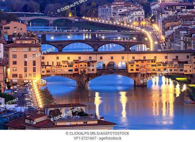Europe, Italy, Tuscany. Ponte Vecchio in the center of Florence by night