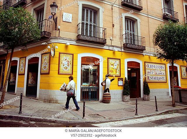 El Rincon de Cruz Blanca, typical tavern in Santa Catalina street. Madrid, Spain
