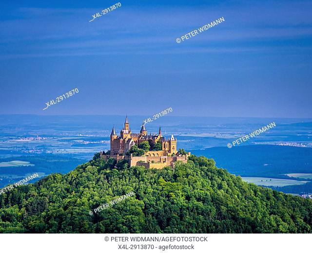 Burg Hohenzollern Castle, Swabian Alp, Baden-Wuerttemberg, Germany, Europe