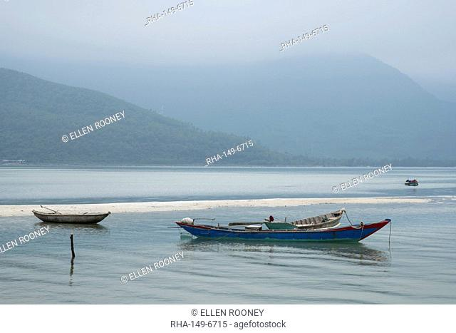 Wooden fishing boats in Lap An Lagoon, Thura Thien Hue Province, Vietnam, Indochina, Southeast Asia, Asia