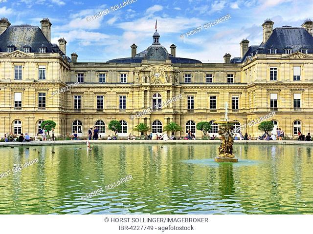 Palais de Luxembourg with pond, Paris, Ile-de-Fance, France