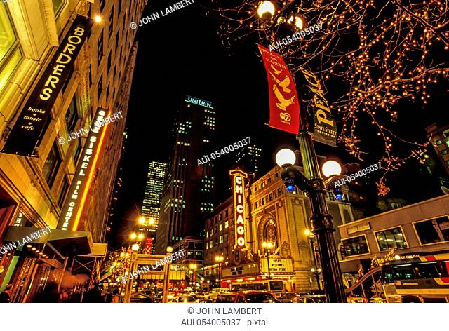 usa, illinois, chicago at night
