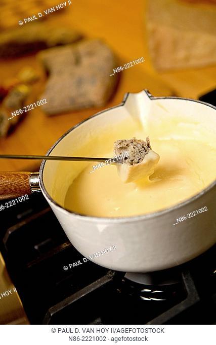 parmesan fondue preparation