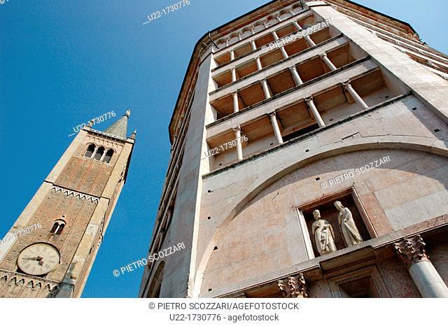 Parma, Emilia-Romagna, Italy: Piazza del Duomo, with the Battistero on the right
