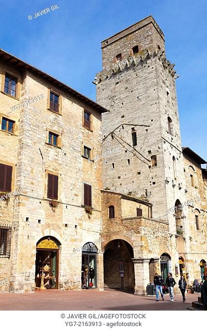 Square of San Gimignano, Province of Siena, Tuscany, Italy
