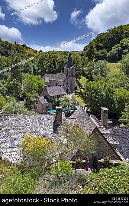 France, Occitanie Region, Aveyron (department 12), Village of Belcastel, former stage on the road to Saint-Jacques-de-Compostelle