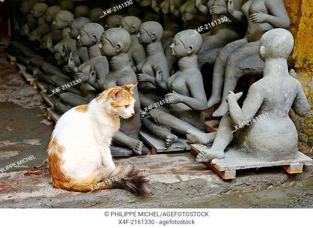 India, West Bengal, Kolkata, Calcutta, Kumartulli district, clay idols of Hindu gods and goddesses statue for Durga Puja festival