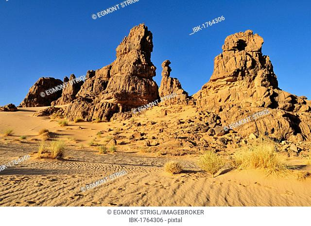 Sandstone rock formation on Tasset Plateau, Tassili n'Ajjer National Park, Unesco World Heritage Site, Wilaya Illizi, Algeria, Sahara, North Africa