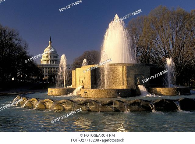 Washington, DC, Capitol, District of Columbia, Fountain at Union Station with the U.S. Capitol Building in the background in Washington, D.C