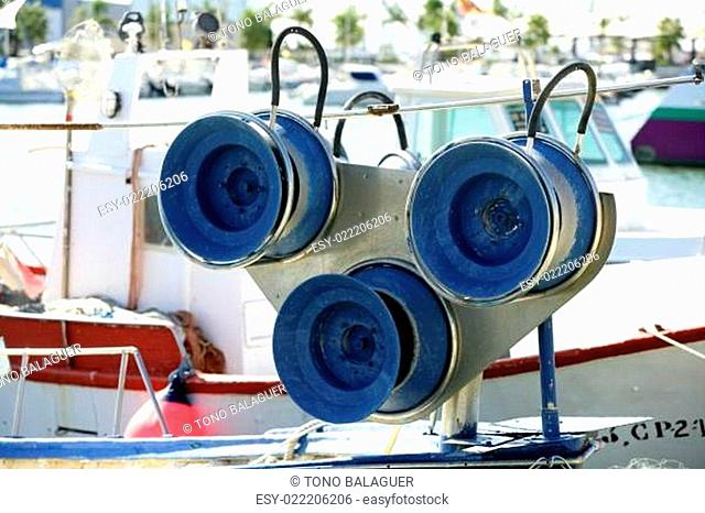 Fishing winch for professional fisherman boats