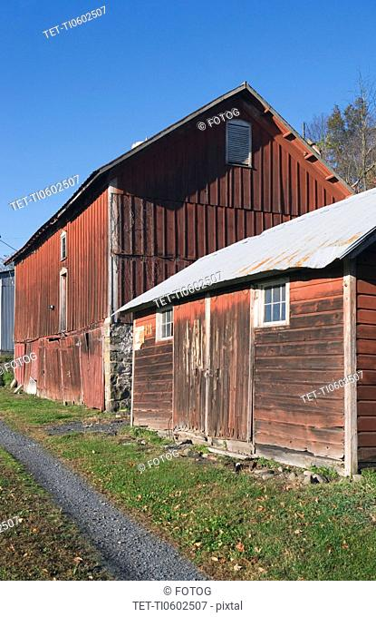 USA, New York State, Chester, Barn on countryside