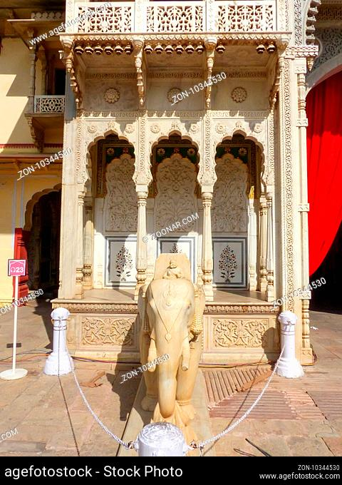 Statue of elephant at Rajendra Pol in Jaipur City Palace, Rajasthan, India. Palace was the seat of the Maharaja of Jaipur, the head of the Kachwaha Rajput clan