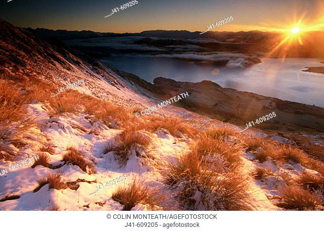 Dawn above Wanaka Lake and Mount Roy. Southern Alps. New Zealand