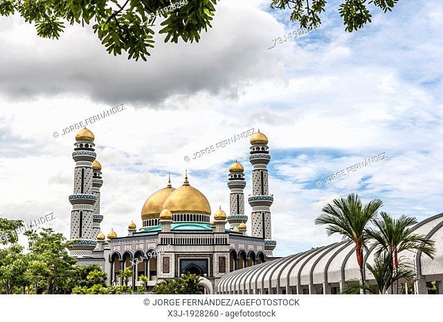 View of Jame Asr Hassanil Bolkiah, Bandar Seri Bengawan mosque, Brunei, Borneo, Asia
