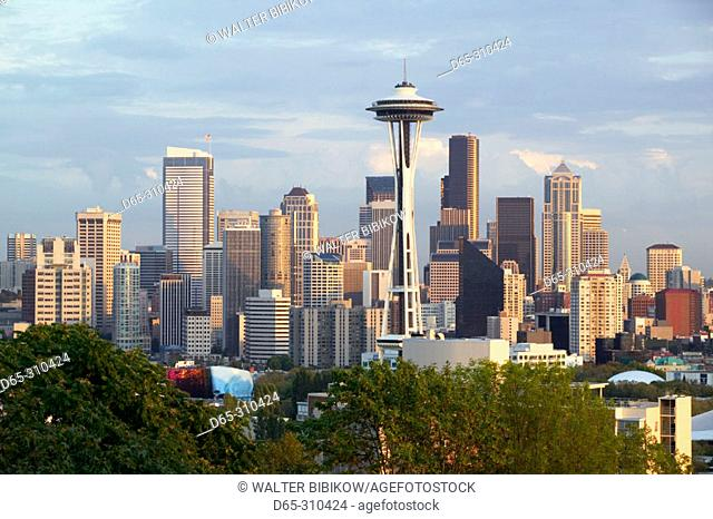 City skyline with Space Needle at sunset from Queen Anne Hill. Seattle. USA