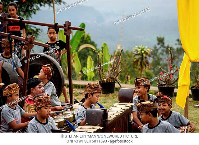 Indonesia, Bali, Kabul Buleleng, performance of the Ramayana epic by the local dance school. The performance is accompanied by the Gamelan School Orchestra