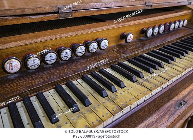 organo Kasriel, Casa de Santo Domingo, antiguos templo y convento de Santo Domingo y al Colegio Mayor de Santo Tomás de AquinoAntigua Guatemala