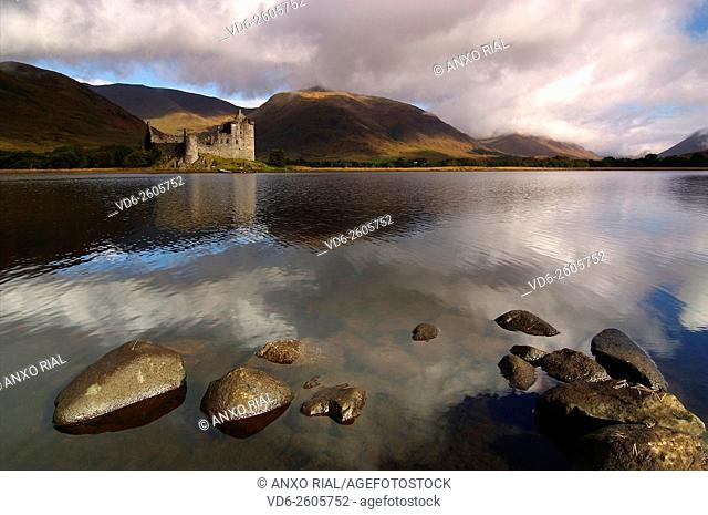 United Kingdom (Great Britain). Scotland. Highlands (Highlands). Argyll and Bute. Loch Awe and Kilchurn Castle