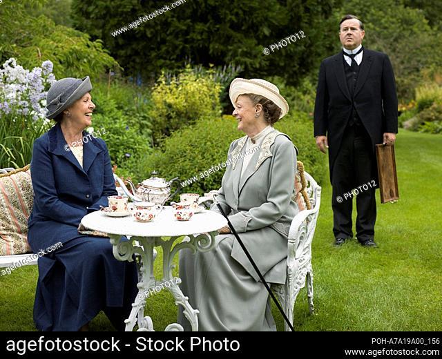 Downton Abbey TV series (2010-2015) UK Written by Julian Fellowes Year: 2014 - Season 5, episode 9 Director: Minkie Spiro Penelope Wilton, Maggie Smith