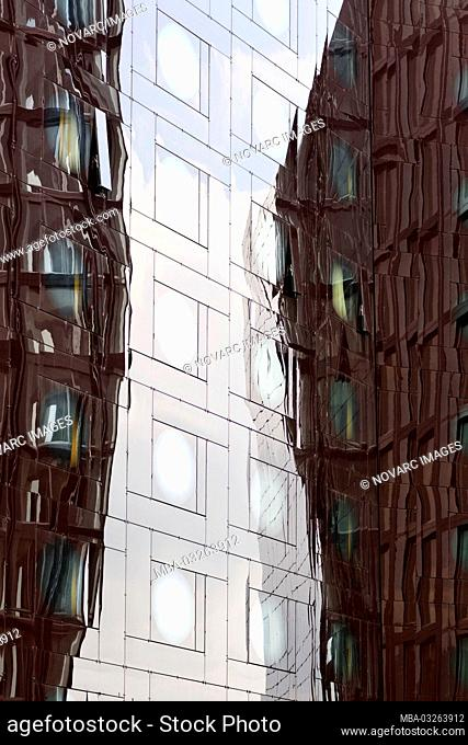 Glass facade, Arcotel Hotel, Reeperbahn, Spielbudenplatz, Hamburg, Germany
