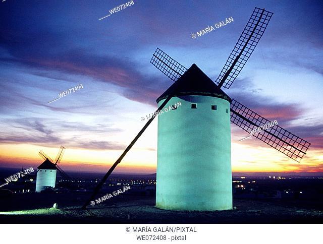 Windmills at dusk, Campo de Criptana. Ciudad Real province, Castilla-La Mancha, Spain