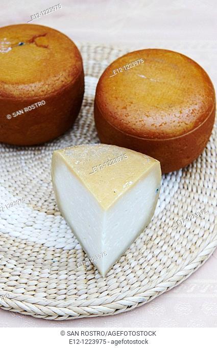 Traditional sheep cheese, Jean-Pierre & Manuel Mallaroni, Urtolu valley, Sartene, South Corsica, Corsica, France