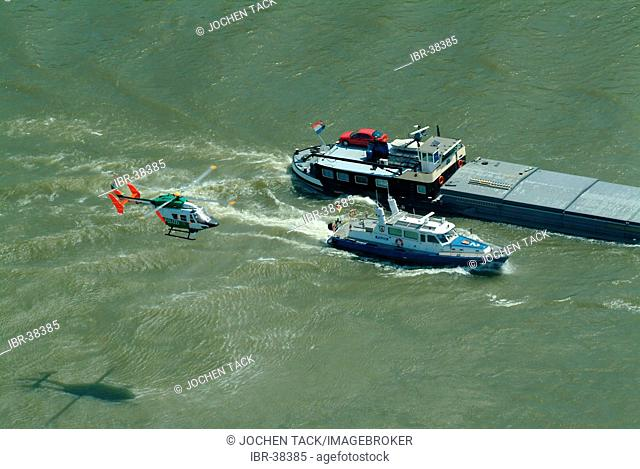 DEU, Germany, Duesseldorf: River police works together with the alarm helicopter BK 117 with camera, infrared and heat-search camera