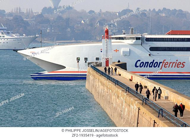 France, Brittany, Ille et Vilaine. The Condor Ferries hydrofoil entering the port of Saint Malo