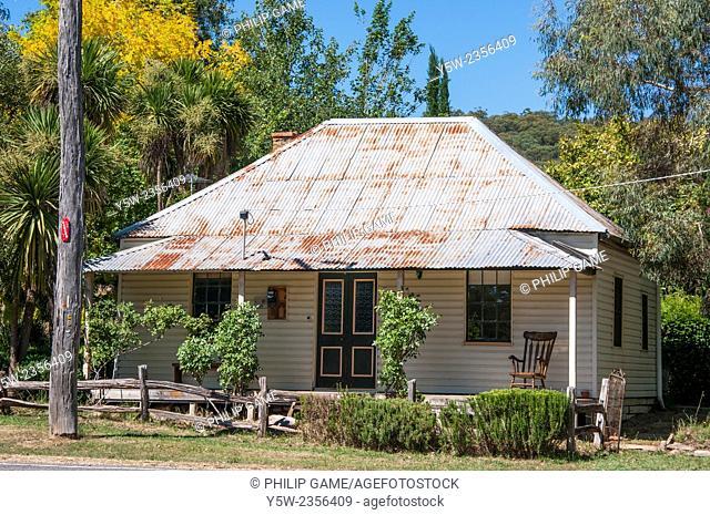 Country cottage at Stanley, Beechworth, northeastern Victoria, Australia