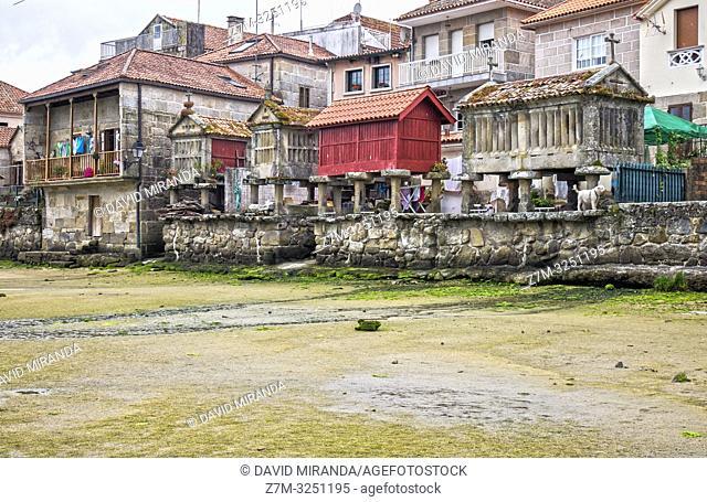 Hórreos en Combarro. Pontevedra. Galicia. España