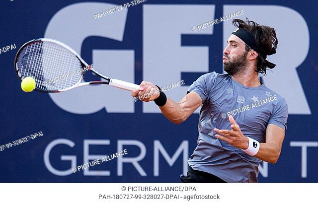27.07.2018, Hamburg: Tennis ATP-Tour German Open, quarter finals, singles, men in the tennis stadium at Rothenbaum. Carreno Busta (Spain) - Bassilashvili...