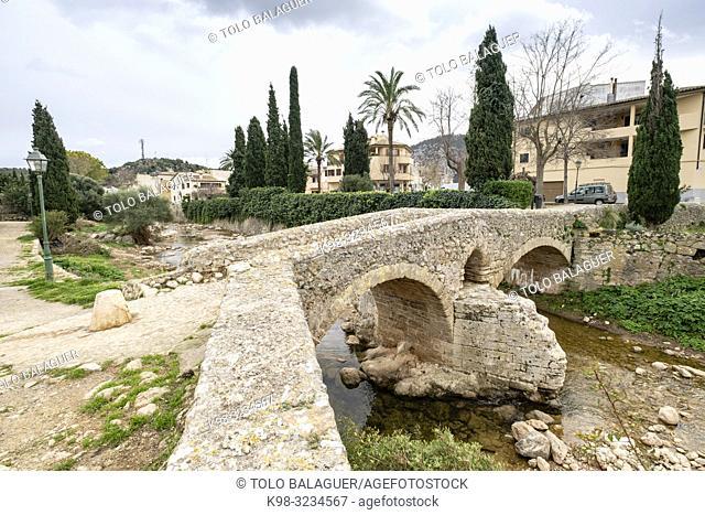 "Pont Romà, Puente Romano sobre el torrente de Sant Jordi, """"Puente de Cubelles"""", Pollença , Mallorca, Balearic islands, spain"