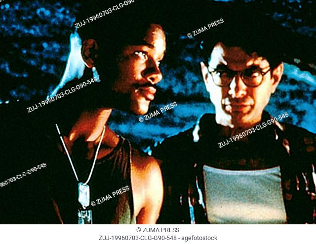 Jul 03, 1996; Hollywood, CA, USA; Actor WILL SMITH stars as Capt. Steven Hiller and JEFF GOLDBLUM as David Levinson in the 20th Century Fox sci-fi thriller