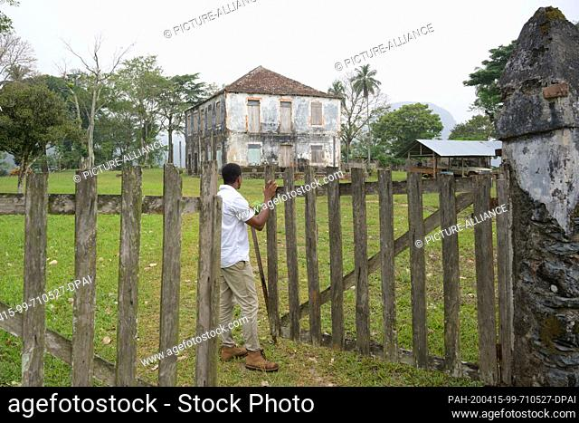 17 February 2020, São Tomé and Príncipe, Terreiro Velho: A man stands in front of the manor house on the Terreiro Velho plantation of Claudio Corallo