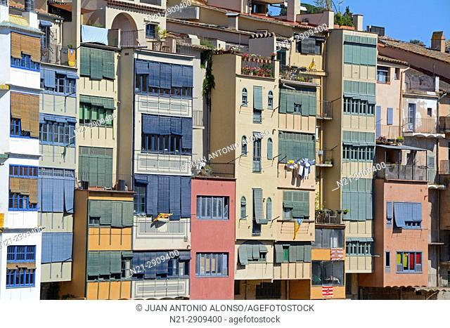 Buildings on the Onyar River. City of Girona, Catalonia, Spain, Europe