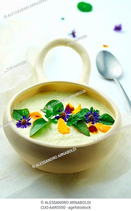 Buckwheat and lentis covered by leek and almond pureed soup