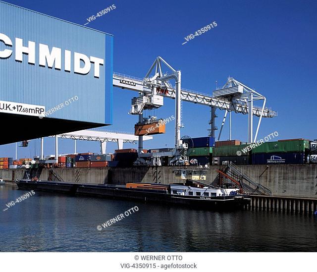 DEUTSCHLAND, DUISBURG, DUISBURG-RUHRORT, D-Duisburg, Rhein, Ruhrgebiet, Nordrhein-Westfalen, D-Duisburg-Ruhrort, Hafen Ruhrort, groesster Binnenhafen in Europa