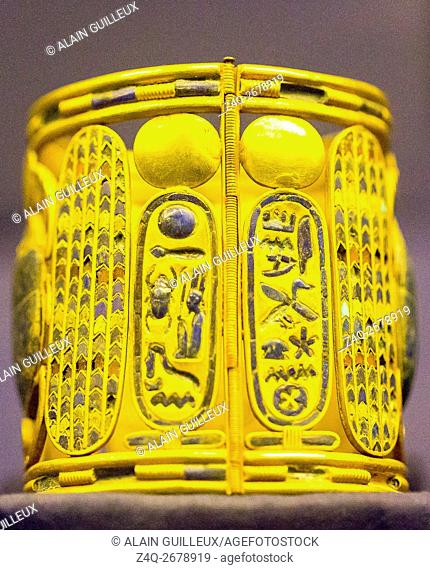 Egypt, Cairo, Egyptian Museum, jewellery found in the royal necropolis of Tanis, burial of the king Psusennes I : One of the two bracelets showing cartouches of...