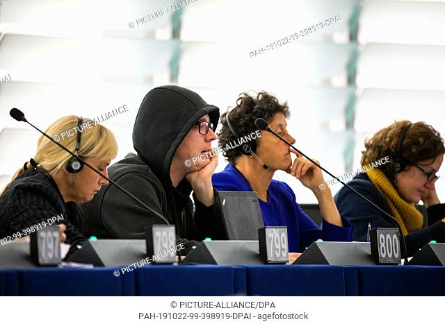 """22 October 2019, France (France), Straßburg: Nico Semsrott ("""""""":V:L:; The Party, Group of the Greens/European Free Alliance) sits in the European Parliament..."""