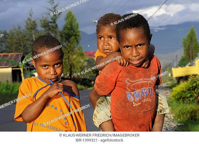 Dani boys, Wamena, Baliem Valley, Irian Jaya, West Papua, Island of Papua New Guinea, Indonesia, South-East Asia, Asia