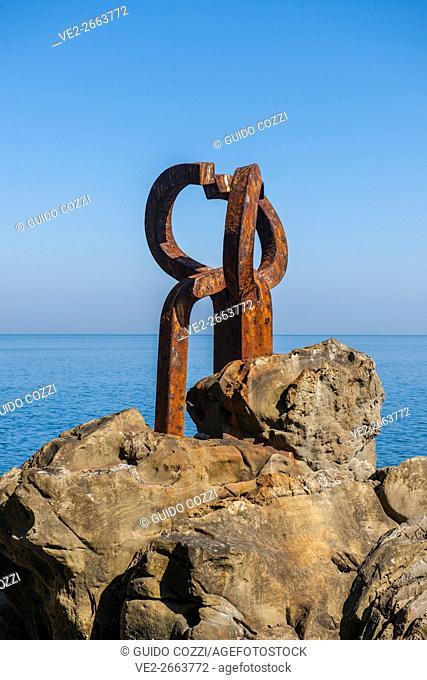 Spain, Paìs Vasco (Basque Country), Donostia-San Sebastian. Peine del Viento, iron sculpture by Eduardo Chillida