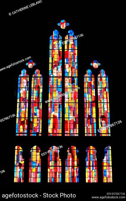 Vitrail. Eglise Notre-Dame du Perpetuel Secours. Paris. Ile-de-France. France. Europe. Stained glass. Church of Notre-Dame du Perpétuel Secours. Paris