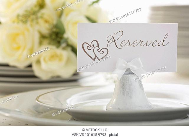 Reservation tag on place setting