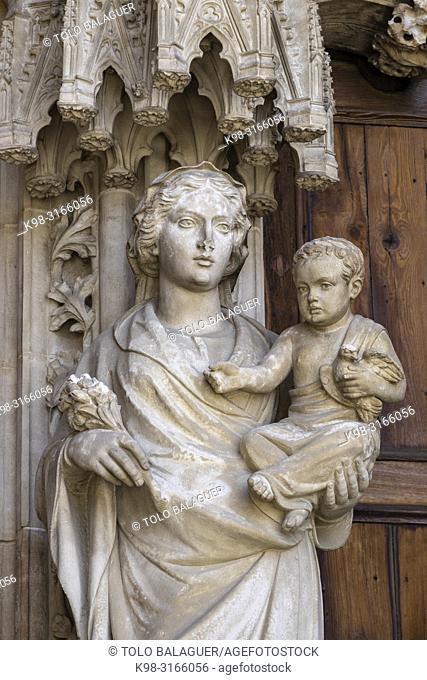 virgen y el niño, Portal del Mirador, Catedral de Mallorca, La Seu, l siglo XIII. gótico levantino, palma, Mallorca, balearic islands, Spain