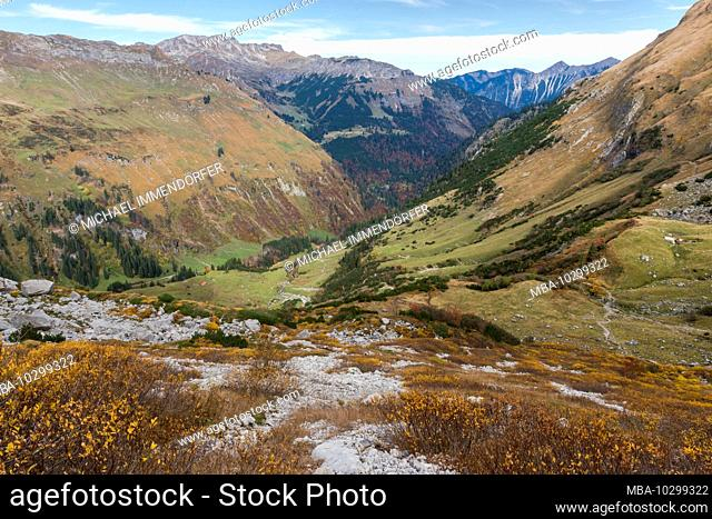 Germany, Bavaria, Allgäu, Bad Hindelang, autumn mood in the Hintersteiner valley ascending to the Prinz Luitpold hut