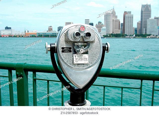 A Tourist Pay per view bincoculars