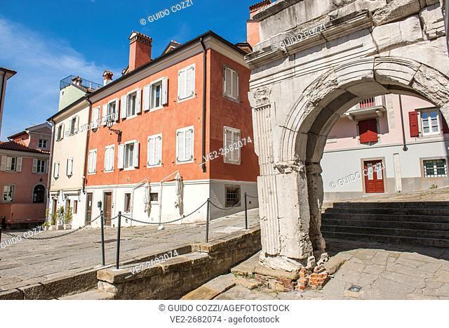 Arco di Riccardo ruins of Roman Walls, Trieste, Friuli-Venezia Giulia, Italy