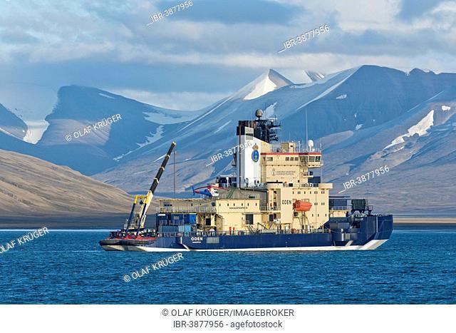 Oden, Swedish research vessel and icebreaker, Isfjorden, Longyearbyen, Spitsbergen Island, Svalbard Archipelago, Svalbard and Jan Mayen, Norway