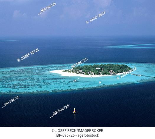 Aerial view of Vabbinfaru (Banyan Tree), North Male Atoll, Maldives, Indian Ocean