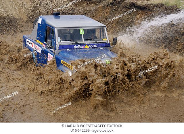 Land Rover Defender 90, racing at the Rallye Dresden Breslau 2007, crossing a ford